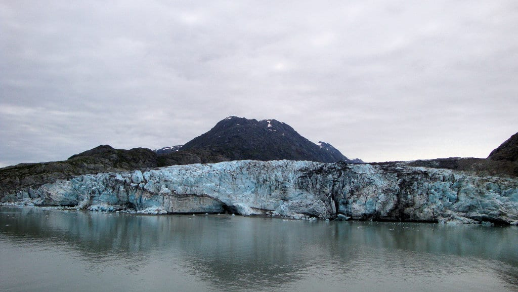 Alaska Glacier Bay. Climate change is melting glaciers, which causes sea levels to rise. Image obtained with thanks from Thom Watson on Flickr.