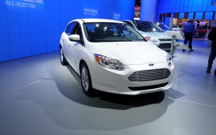 White 2014 Ford Focus. Front view.