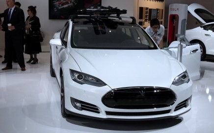 A white Tesla Model S at the NAIAS.